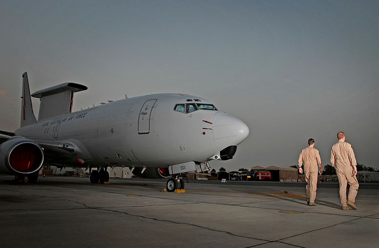 A Royal Australian Air Force (RAAF) E-7A Wedgetail airborne early warning, control and surveillance aircraft set a new record by flying a 17.1 hour operational mission over Iraq and Syria.